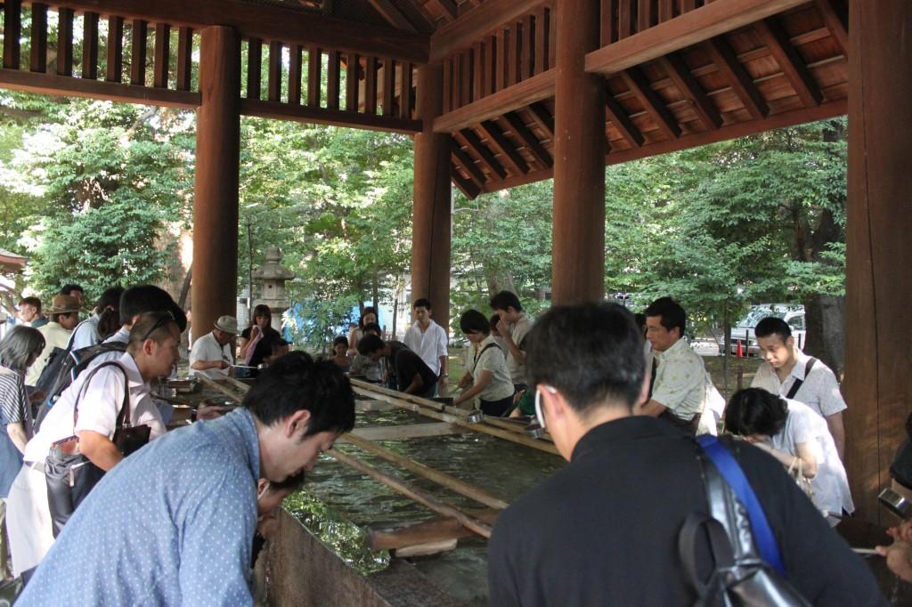 靖国神社の手水場
