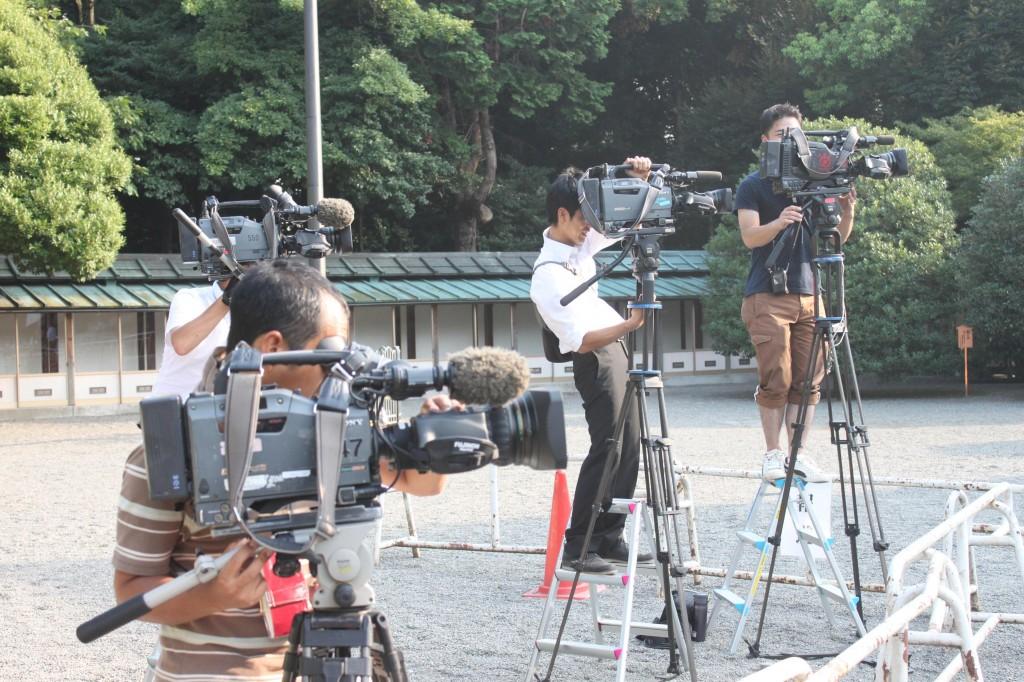 靖国神社の報道陣