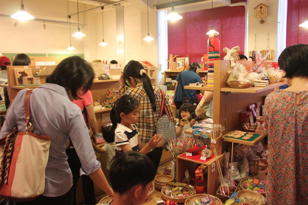 東京おもちゃ美術館の売店