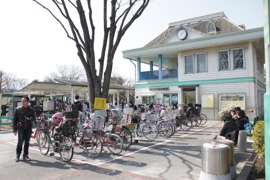 新宿交通公園の入り口