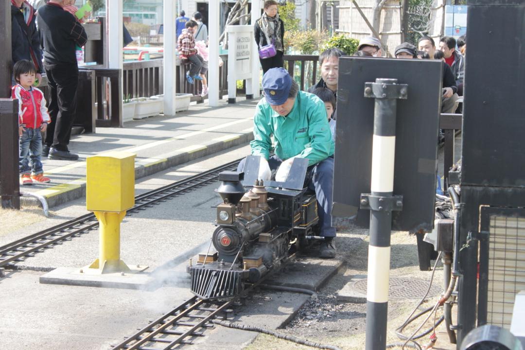 新宿交通公園のミニ蒸気機関車