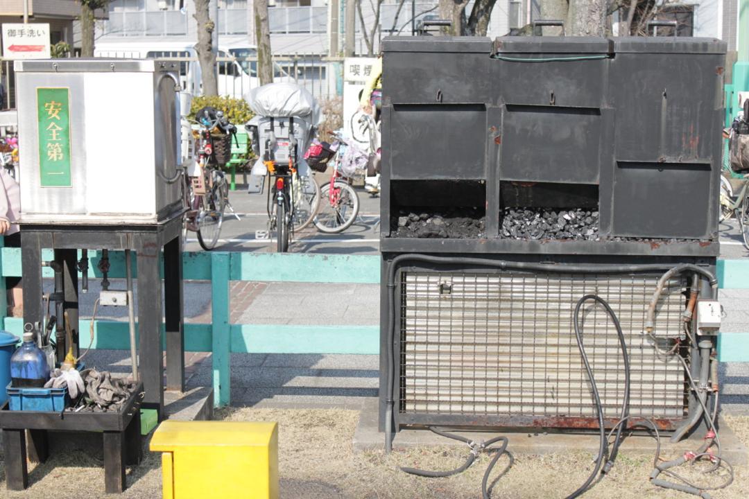 新宿交通公園のミニ蒸気機関車の燃料