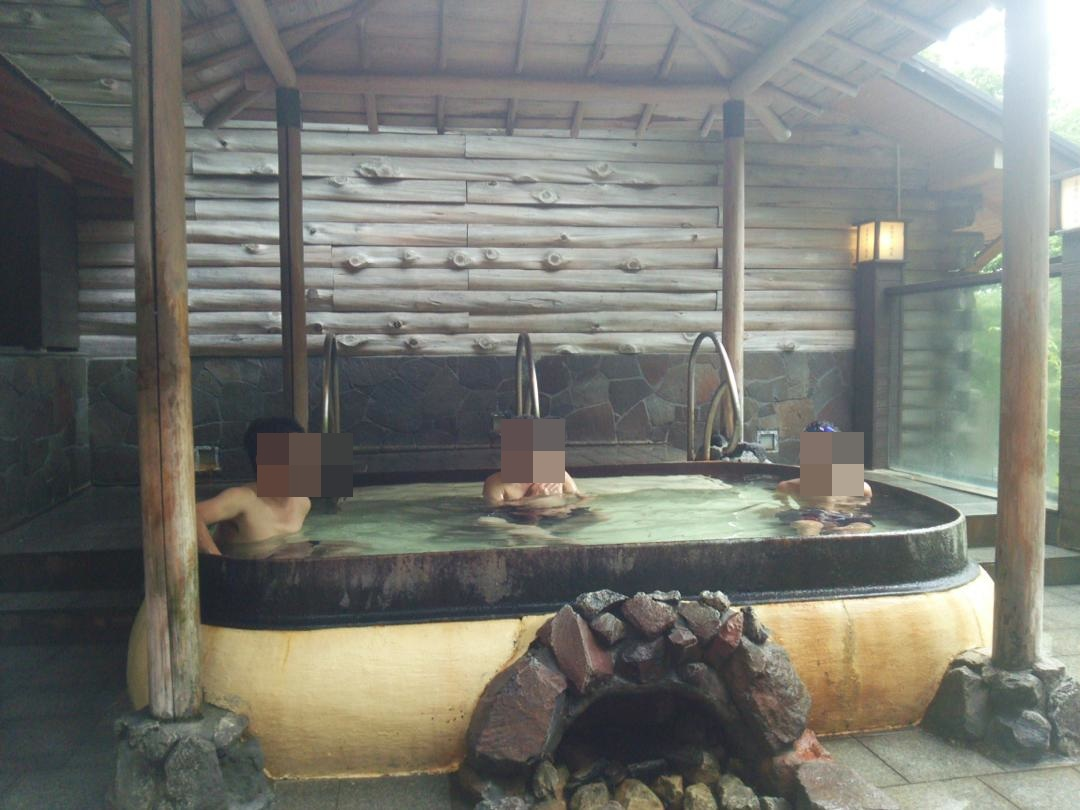 箱根ユネッサンスの五右衛門風呂