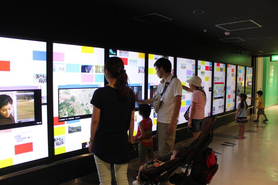 NHKスタジオパークタッチパネル展示