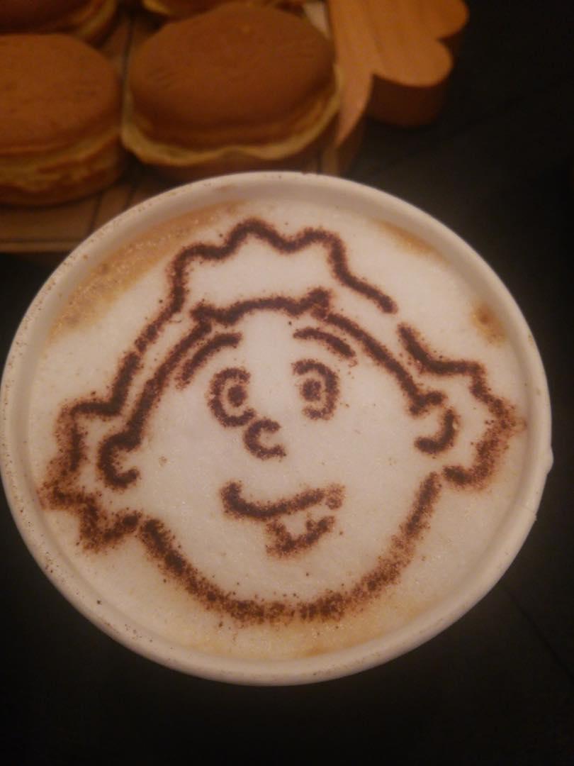 サザエさんカフェのカフェオレ