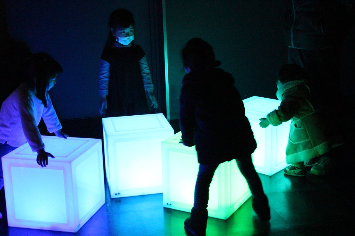 日本科学未来館のカラーブロック