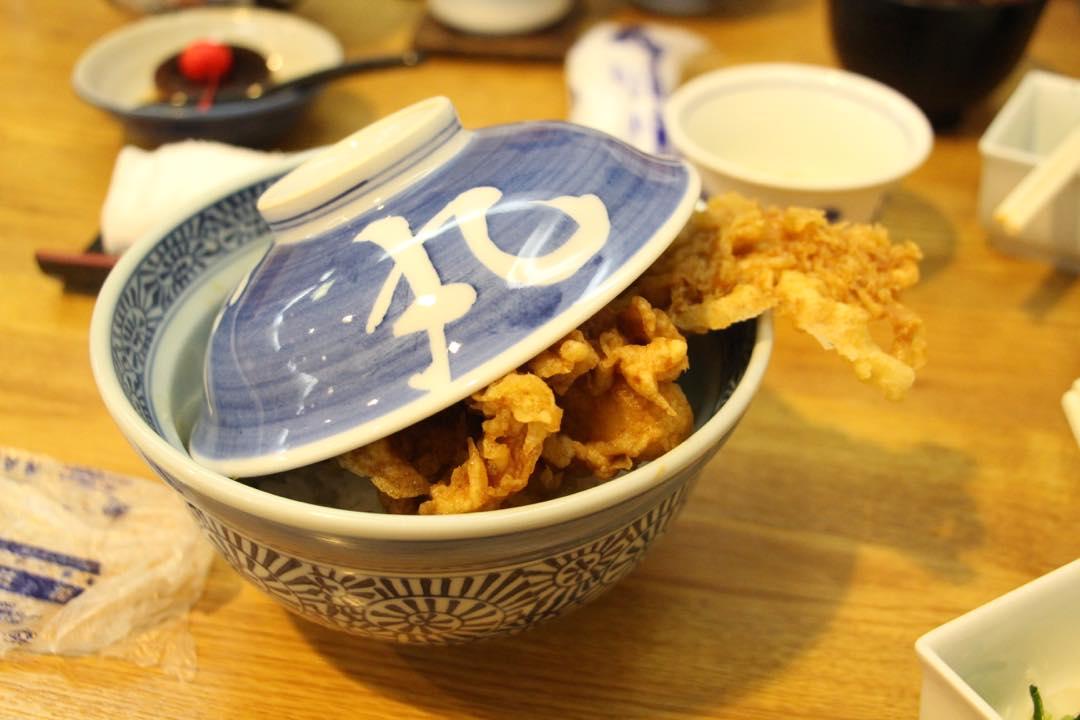 東京浅草の天ぷら屋さん葵丸進の穴子天丼