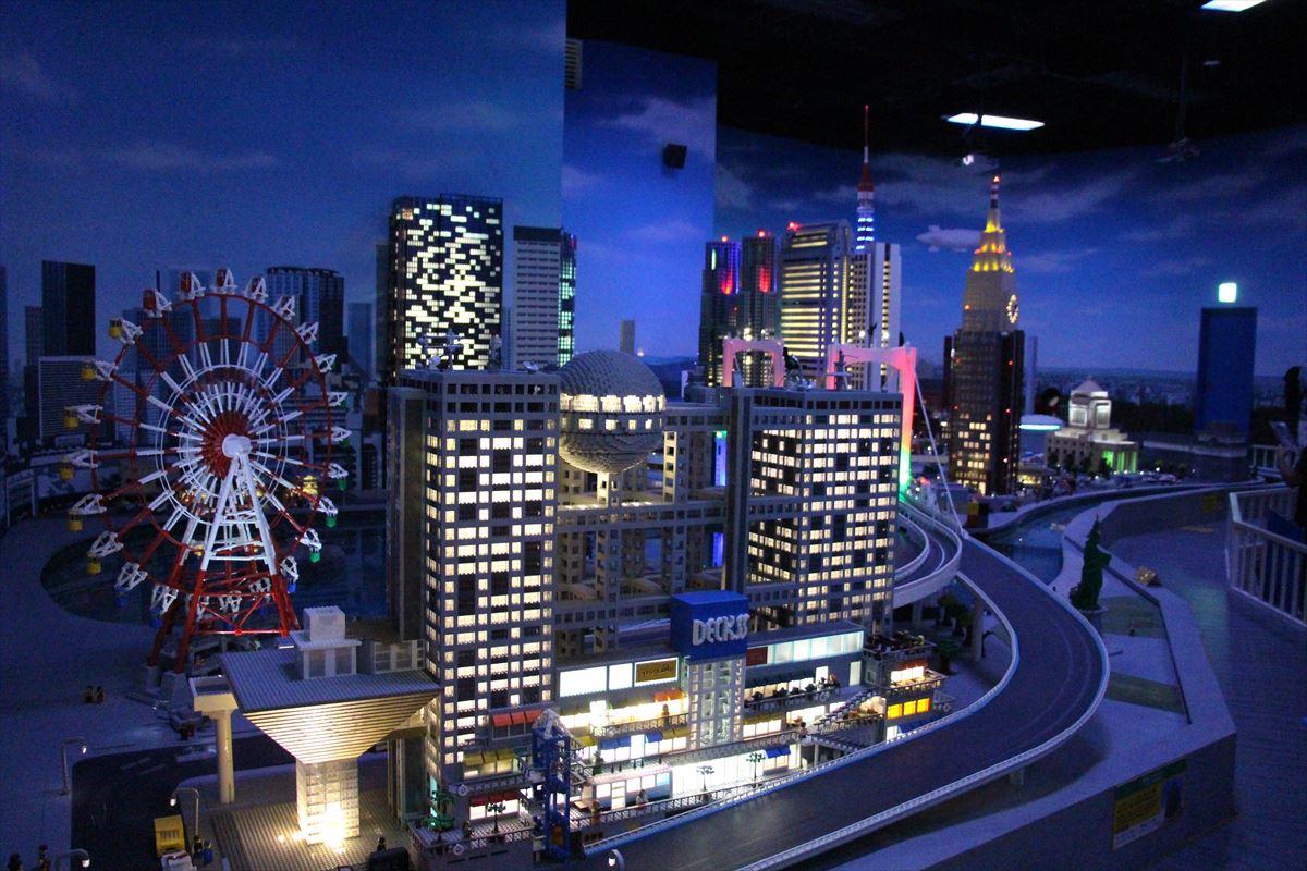 お台場レゴランドのレゴジオラマの夜風景