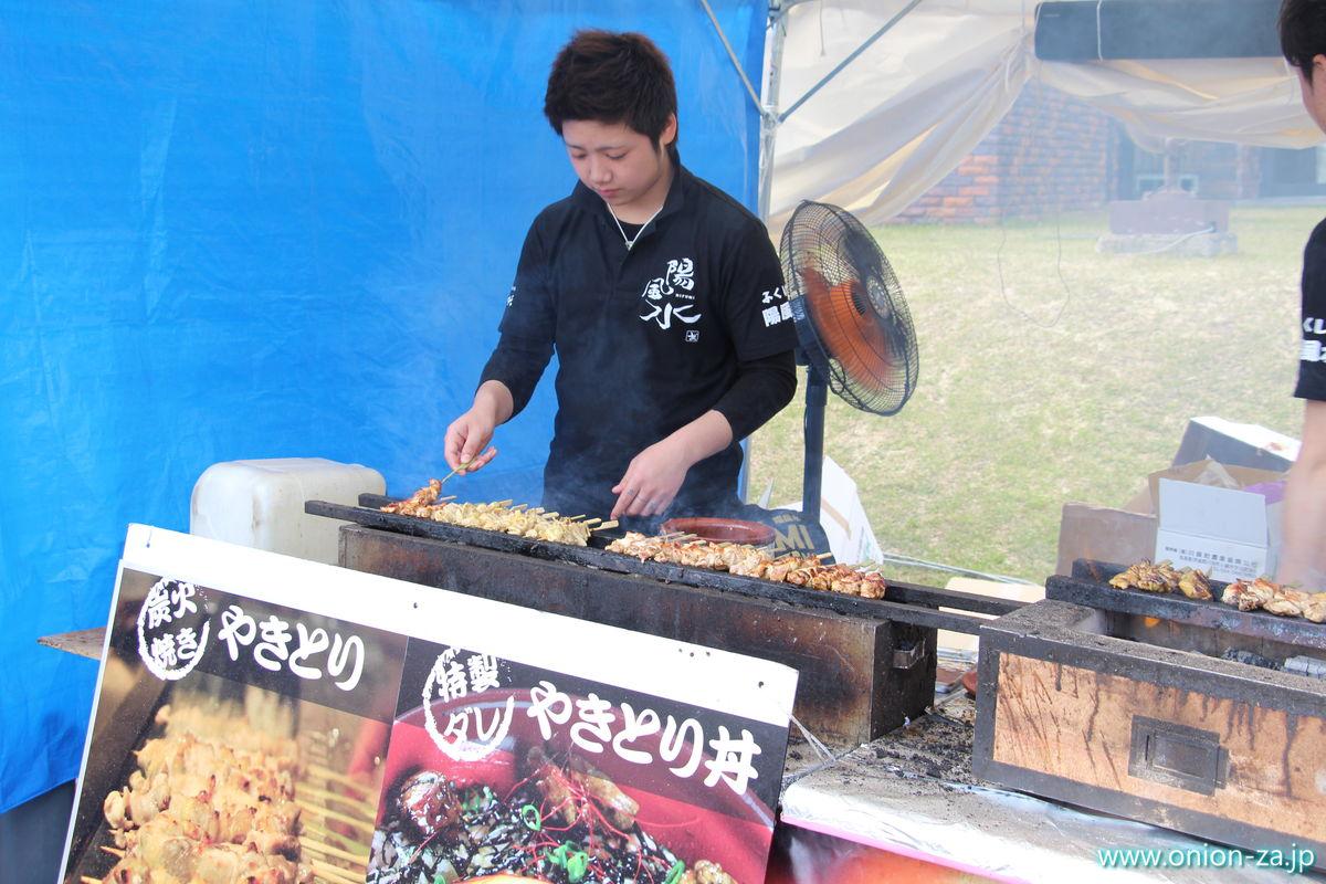 福島県「四季の里公園」の川俣シャモ祭り屋台2