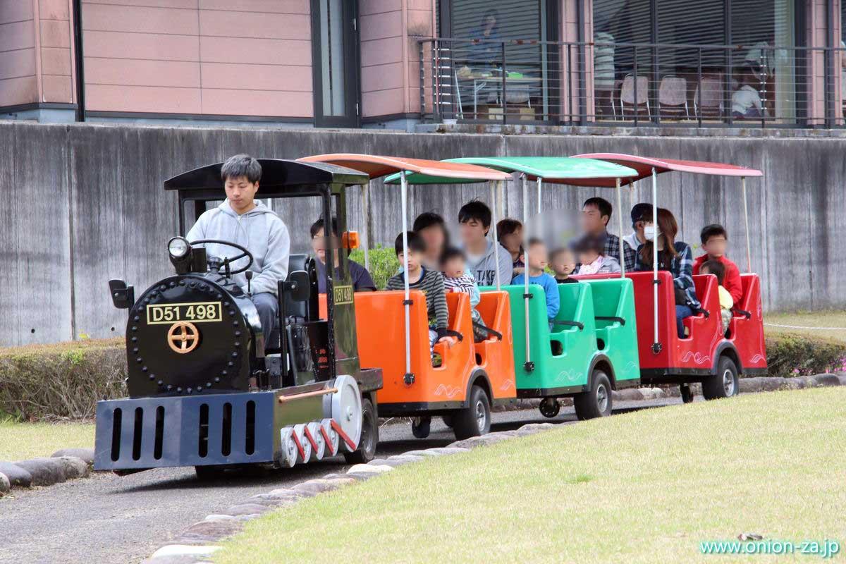 福島県「四季の里公園」の期間限定ロードトレイン