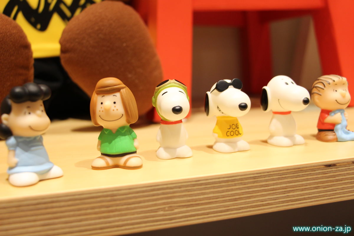 スヌーピーミュージアムのオリジナル指人形