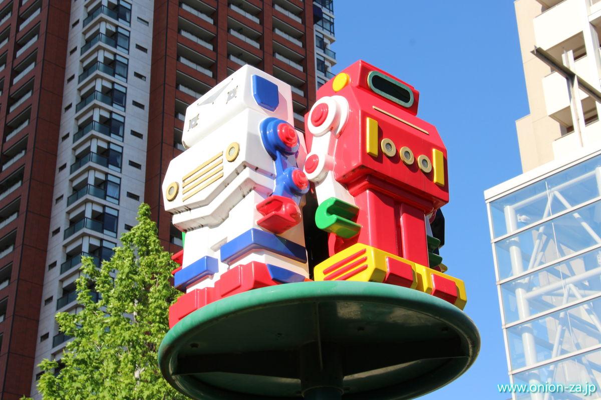 六本木さくら坂公園のロボット