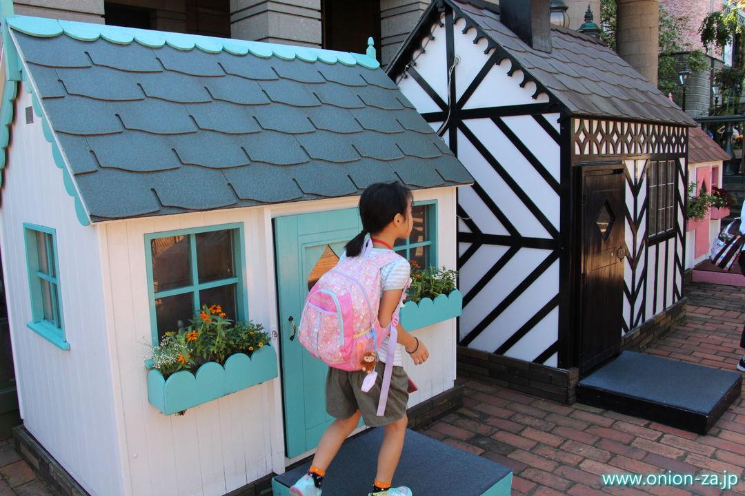 北海道にある白い恋人パークの小さなお家