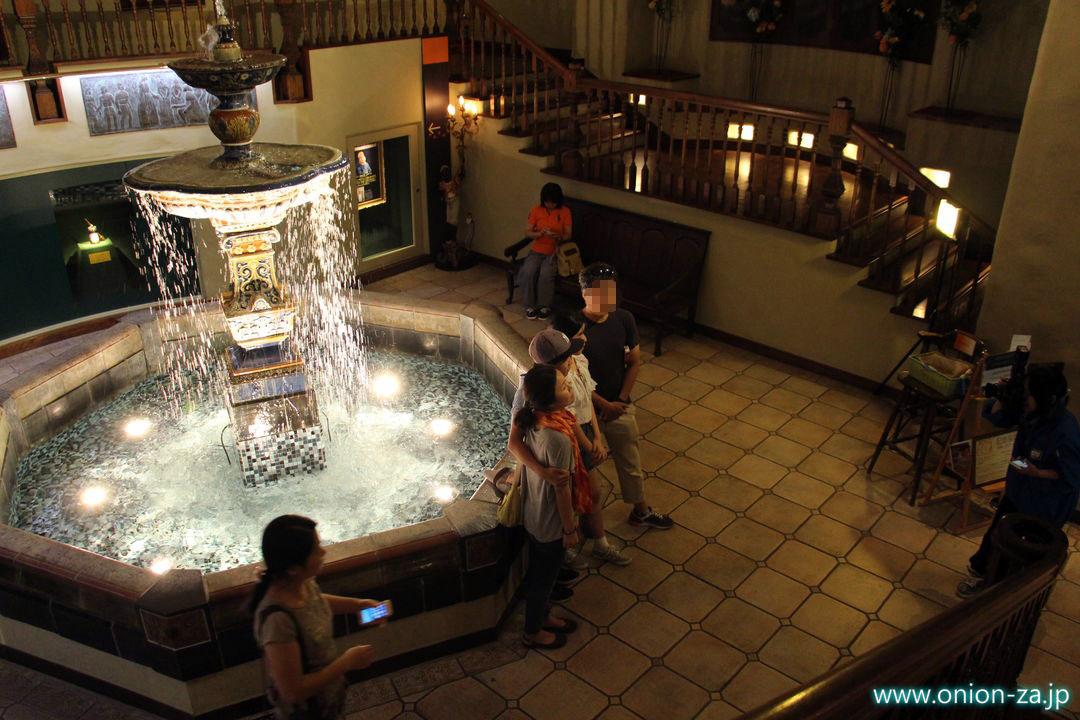 北海道にある白い恋人パークの屋内噴水