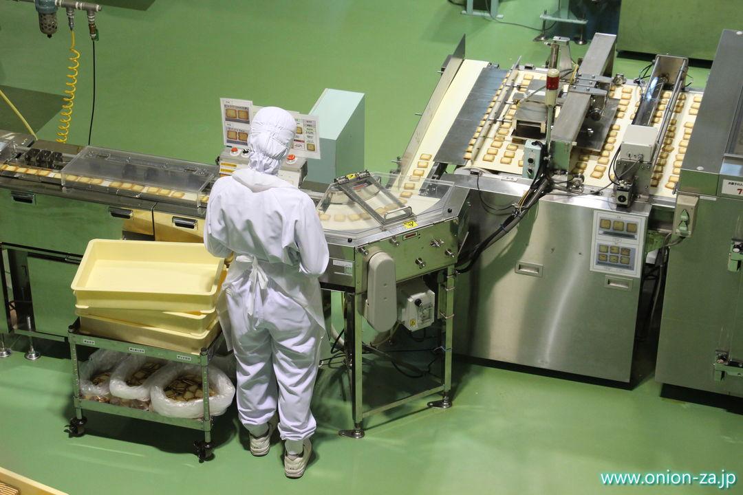 北海道にある白い恋人パークの工場見学「チョコレート製造工程」