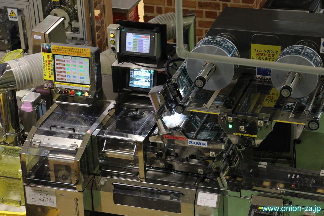 北海道にある白い恋人パークの工場見学の製造工程