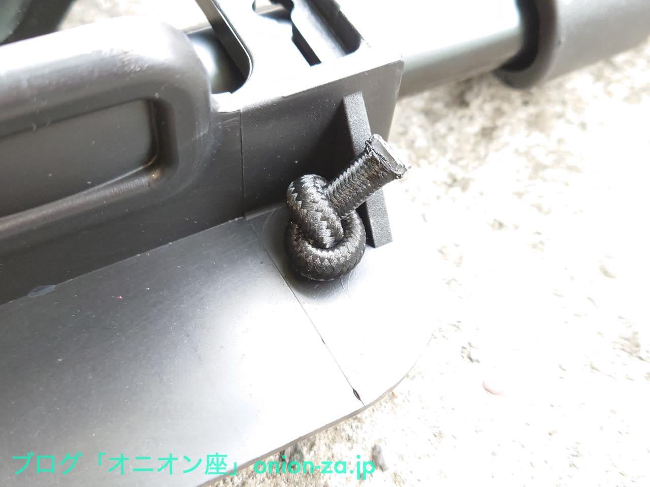 ゴム紐は100円ショップ品のような不安げはなく、しっかりしている。